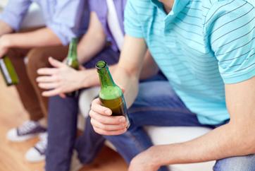 Image of people drinking beer